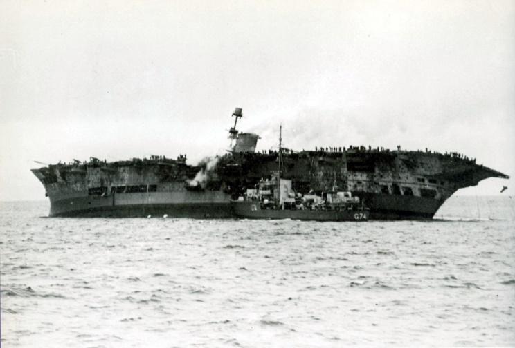 HMS ARK ROYAL. (91). 1/350.  MERIT Ark_ro10
