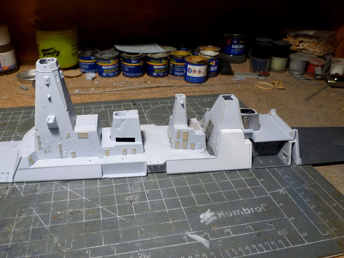 HMS DRAGON Destroyer Type 45 Airfix 1/350 + P.E Bigblueboy - Page 2 Hms_dr12