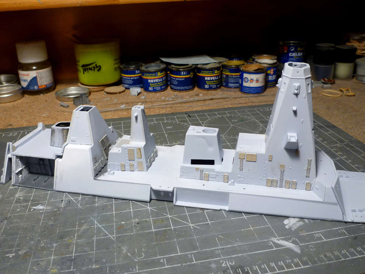 HMS DRAGON Destroyer Type 45 Airfix 1/350 + P.E Bigblueboy - Page 2 Hms_dr13
