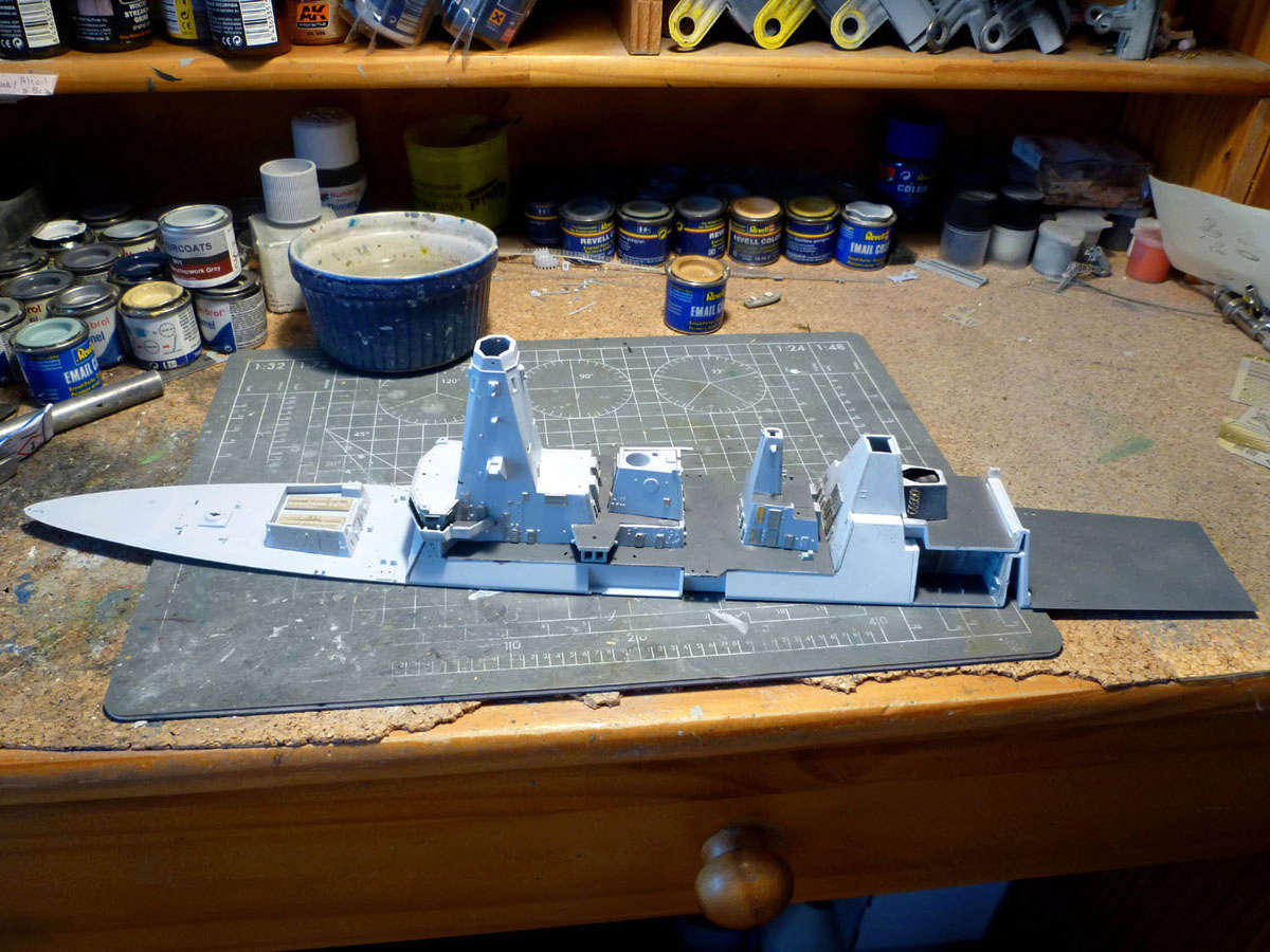 HMS DRAGON Destroyer Type 45 Airfix 1/350 + P.E Bigblueboy - Page 2 Hms_dr28