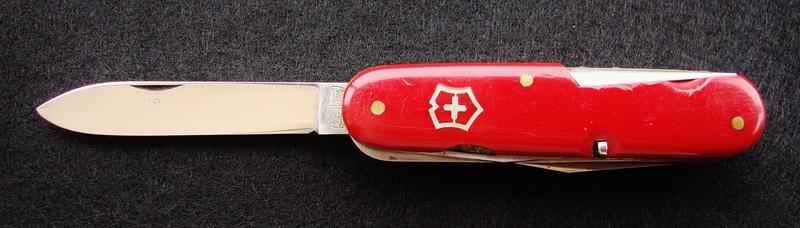 Couteaux de Soldat et Couteaux Officier Suisses. Dsc07418