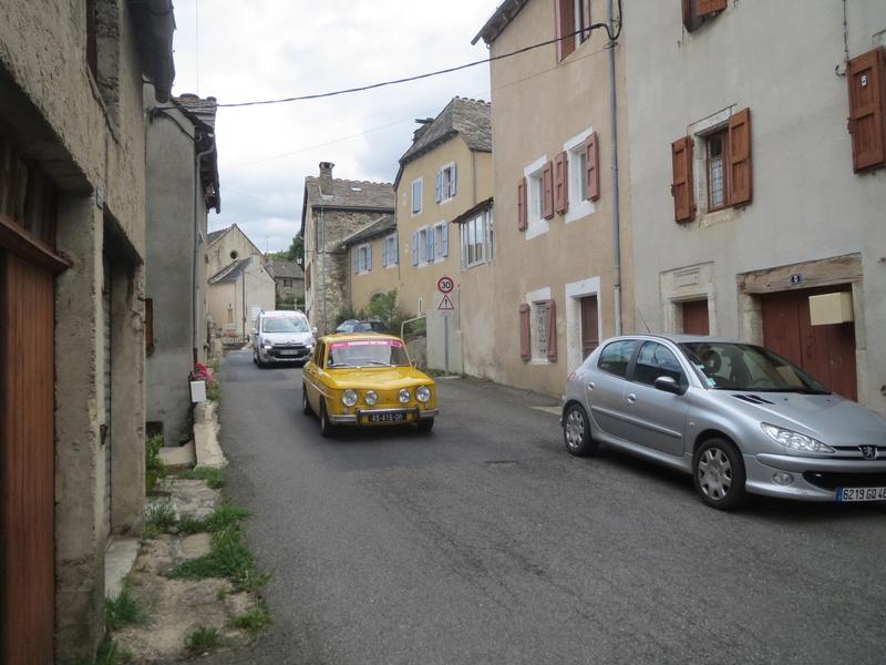 quelques autos au tour cycliste international de L'Ardèche  Img_4621