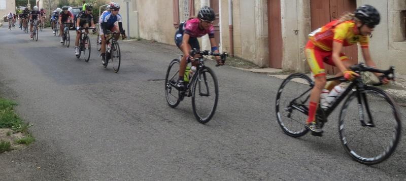 quelques autos au tour cycliste international de L'Ardèche  Img_4626