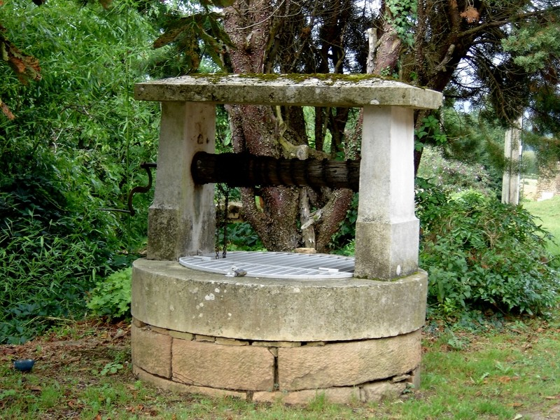 Petit patrimoine de la Chapelle sous Brancion  Collonge C24a_c10