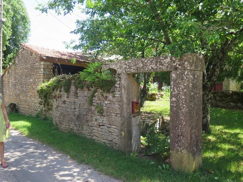 Petit patrimoine de la Chapelle sous Brancion  Collonge C38b_c10