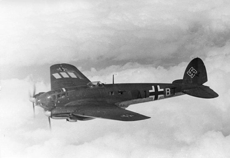 M40 Luftwaffe Q66 n° 4808 (complet) nominatif Bundes10