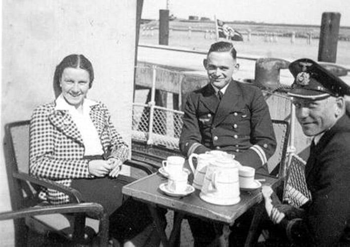 Kriegsmarine - Vaisselle sous officiers Km_11010
