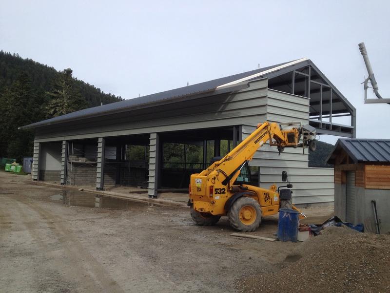 Construction d'un nouveau hangar à dameuses Ax 3 Domaines Img_6524