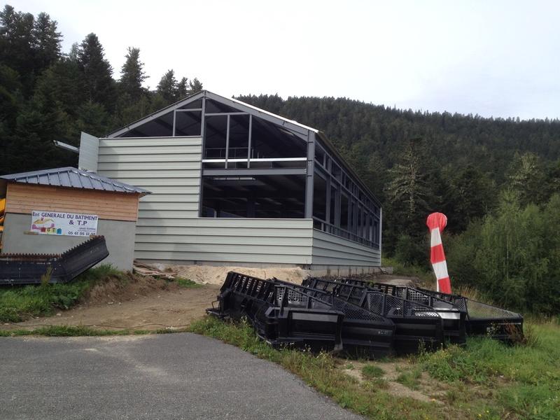 Construction d'un nouveau hangar à dameuses Ax 3 Domaines Img_6526