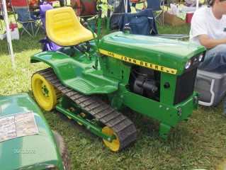 tracked jd 318  Lawn_m10