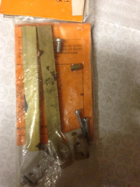 Recherche foureaux pour clés d'ailes plates Img_0812