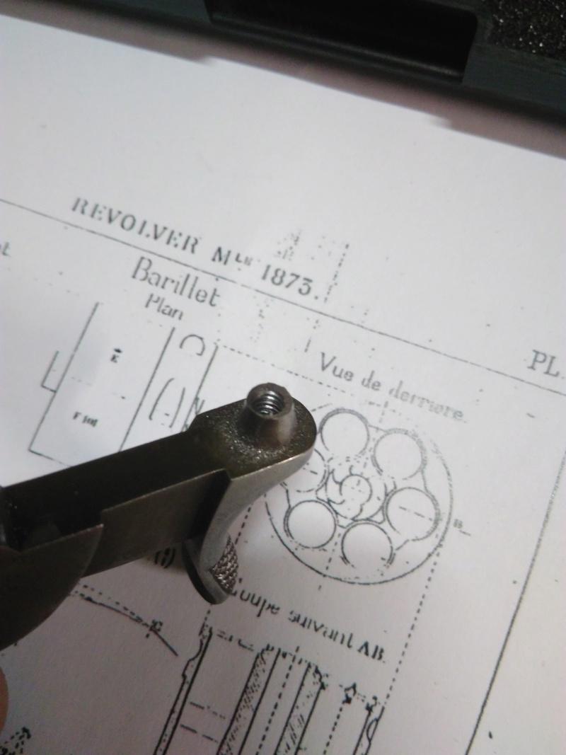 La réparation d'un percuteur de 1873 Img_2013