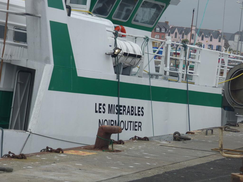 [Activité des ports] Le Guilvinec - Page 7 P1060112