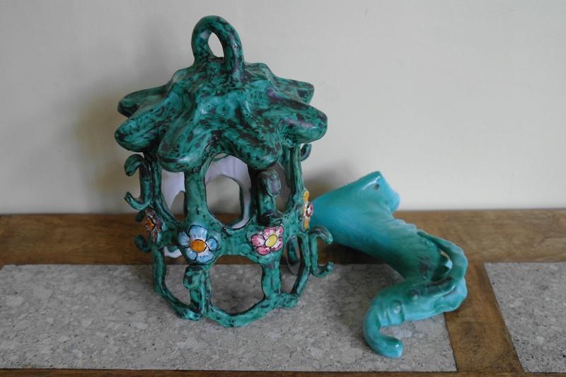 Weird Ceramic Serpent Lampshade - Italy ? - Any Ideas? Sam_4910