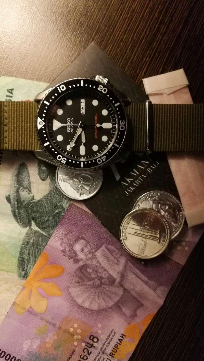 Le vide-poches, le retour... ou quoi dans les poches et au poignet... - Page 17 Img_2012