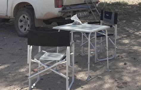 un ami vend du matos, dont une table réglable en hauteur Captur24