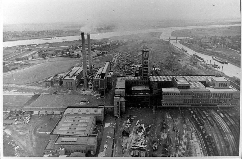 Alte historische Originalaufnahmen der Zeche Walsum 19420612