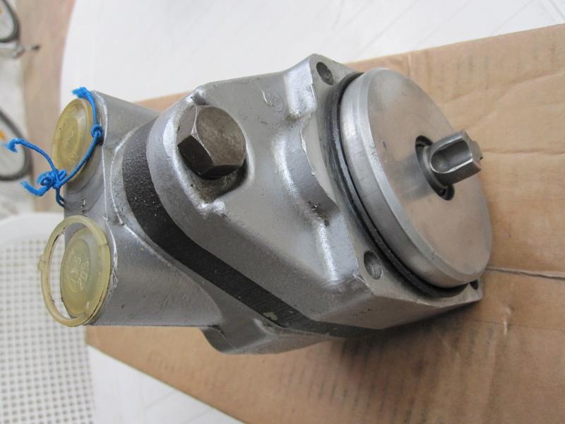 Pompe hydraulique de D.A. Img_0110