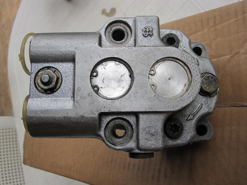 Pompe hydraulique de D.A. Img_0111
