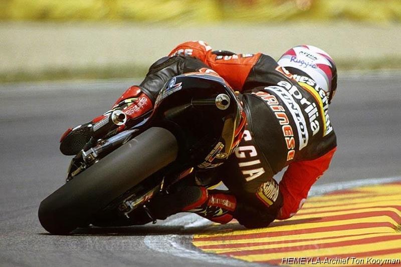 68 degrés d'inclinaison en moto Ruggia10