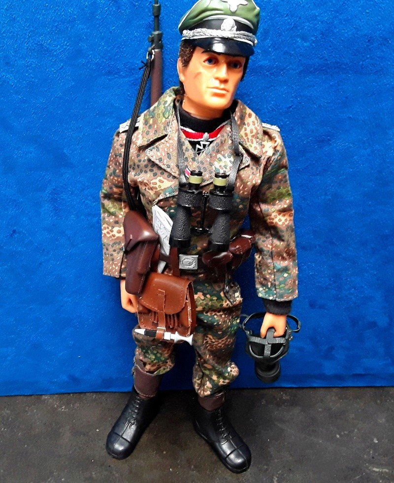 Ardennes 44-German Officer 04811