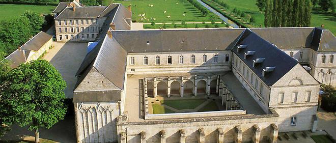 02 novembre 1789: Les bien du clergé sont déclarés appartenir à la nation 10494110