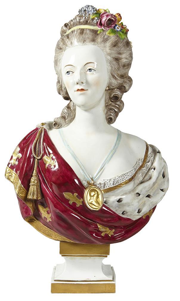 A vendre: bustes Marie Antoinette - Page 7 15060810