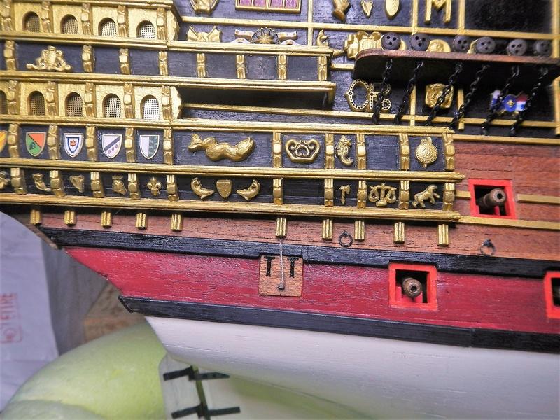 """Construction du """"Sovereign of the Seas"""" (SotS) au 1/84 (Partie 2)  - Page 37 Dscn6319"""