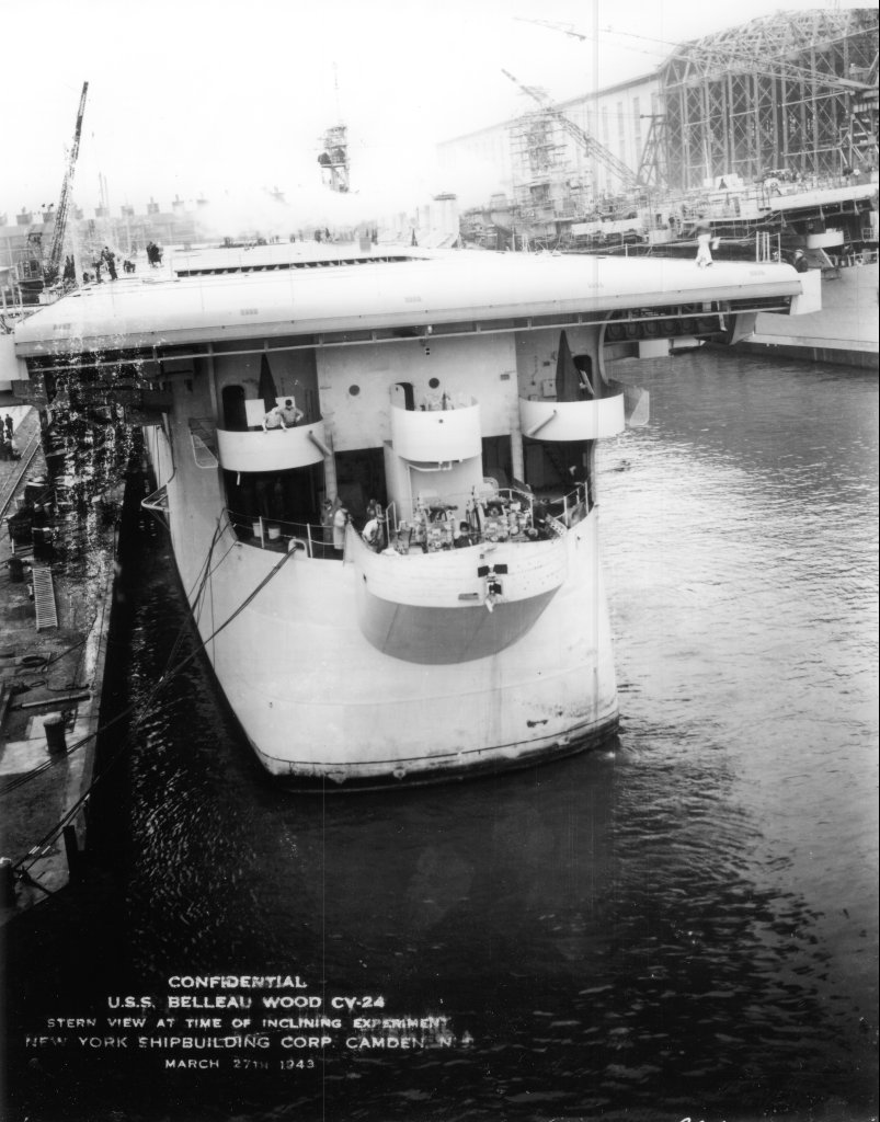 USS INDEPENDENCE CVL-22 1/350ème DRAGON 02240410