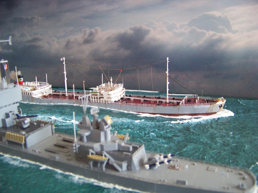 Dio : Pétrolier British Sovereign & croiseur Long Beach (Revell 1/500°) par PLEF 100_9616