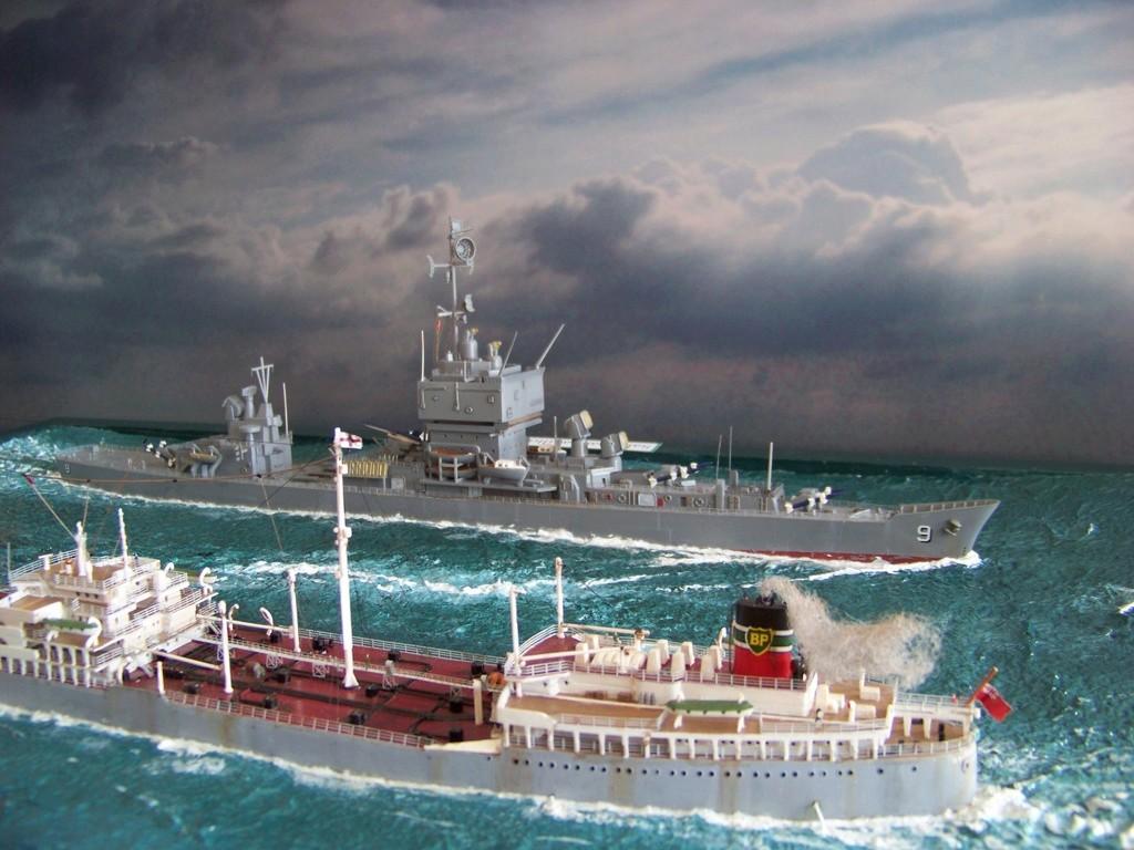 Dio : Pétrolier British Sovereign & croiseur Long Beach (Revell 1/500°) par PLEF 100_9619