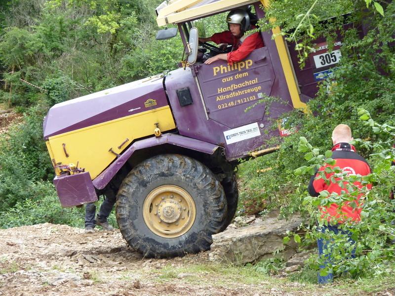 préparer un KT pour l'europa truck trial montalieu P1170914