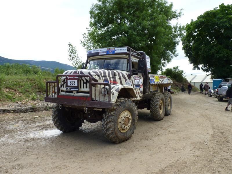 préparer un KT pour l'europa truck trial montalieu P1180010