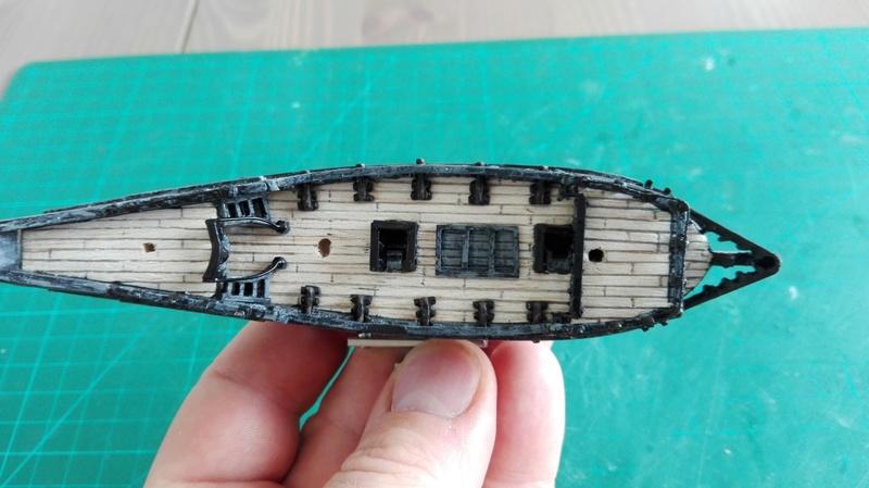 Black Pearl éch: très petite, Long: 160mm, Scratch Img_2056