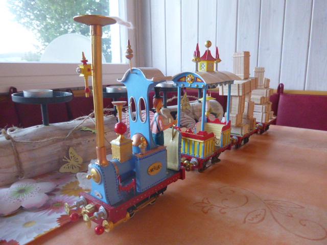 Rowland Emett Festival Railway Coach  Smallbrook Studio Spur Gn15  P1060527