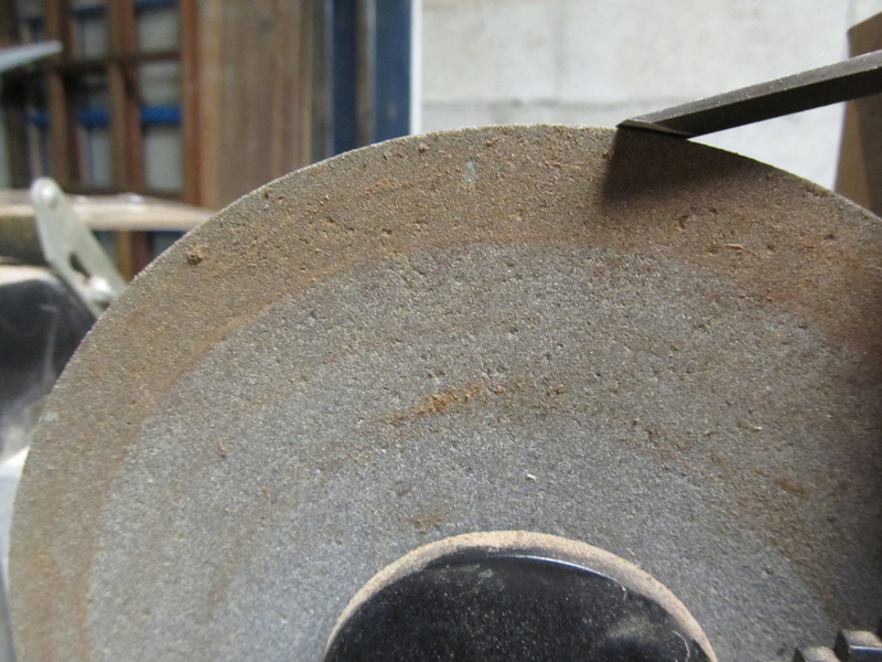 Un dresse meule pour la meule à eau...ou pas? Feathe13