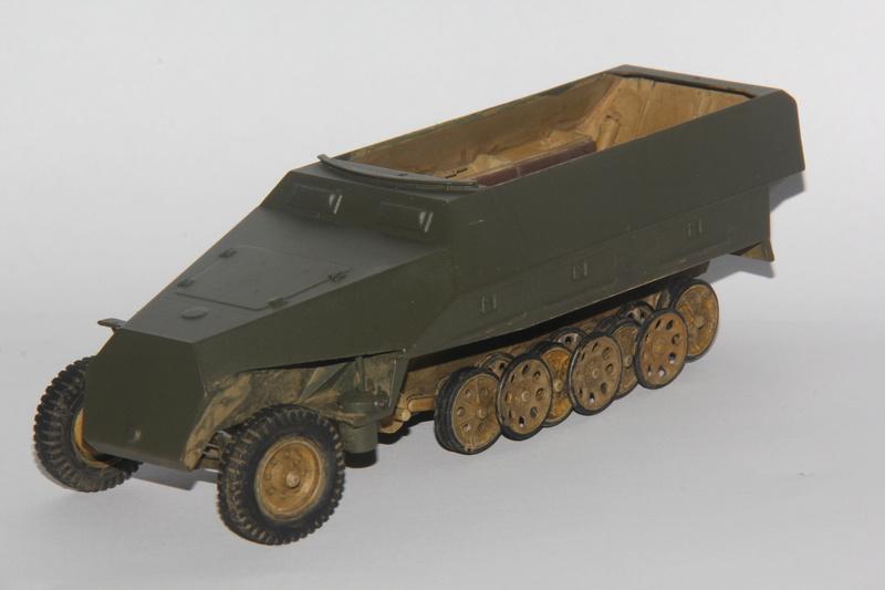 SDKFZ 251 Tamiya 1/35  question armement  - Page 2 00210