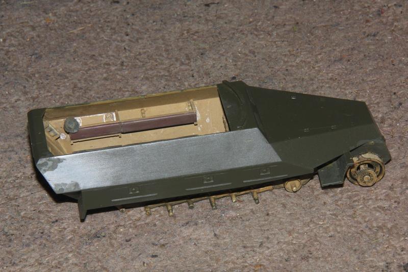 SDKFZ 251 Tamiya 1/35  question armement  00610