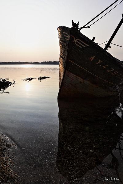 Fin de vie .... Cimetières de bateaux .... - Page 10 Stromb11