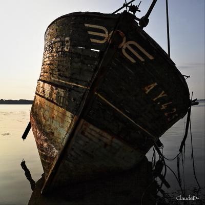 Fin de vie .... Cimetières de bateaux .... - Page 10 Stromb14