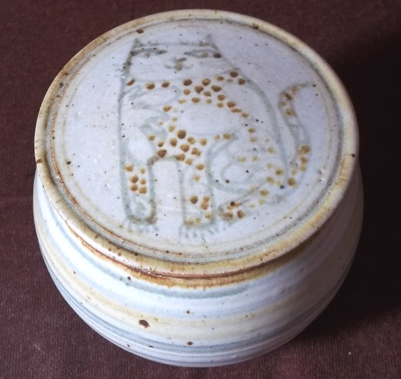 Bryan and Julie Newman, Aller Pottery (Somerset) - Page 2 100_3437
