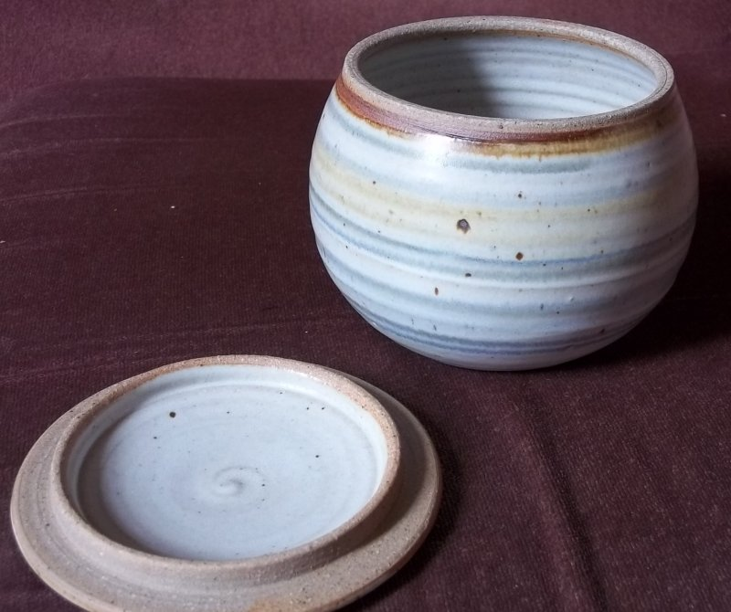 Bryan and Julie Newman, Aller Pottery (Somerset) - Page 2 100_3438