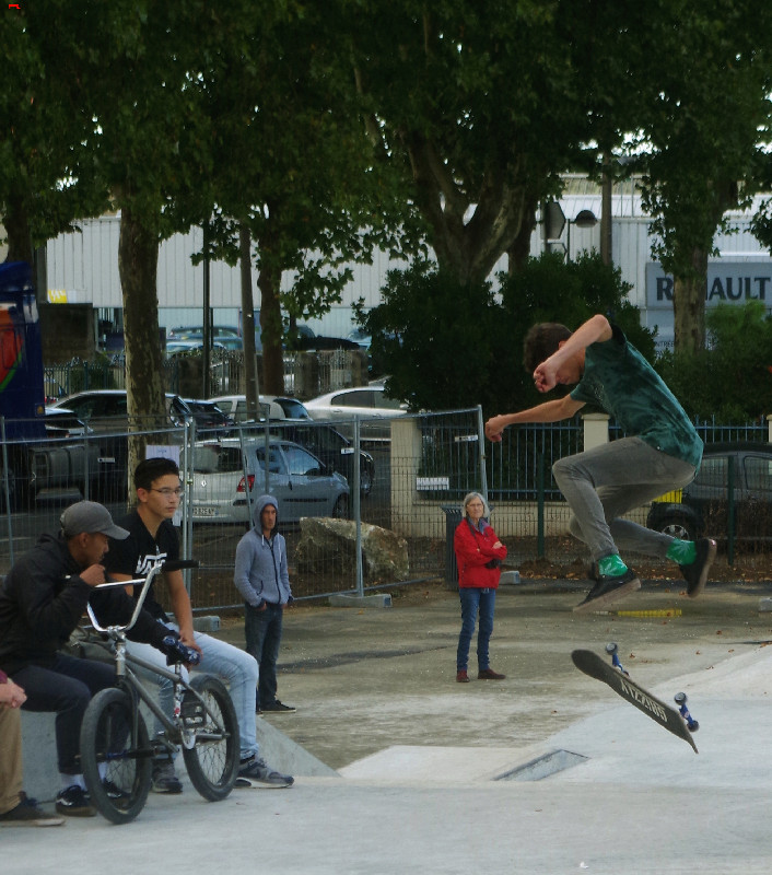 Le skatepark de Rochefort, c'est du béton !!!! Imgp2414