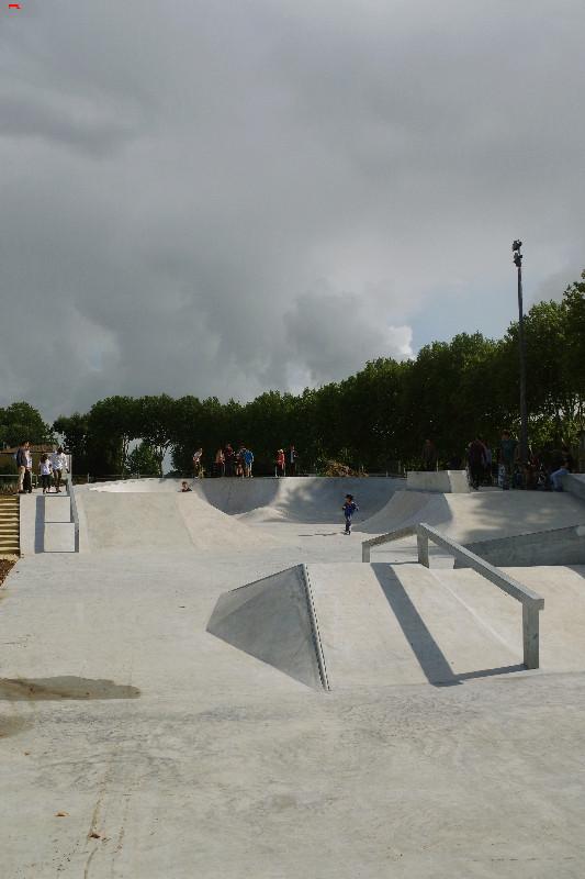 Le skatepark de Rochefort, c'est du béton !!!! Imgp2616