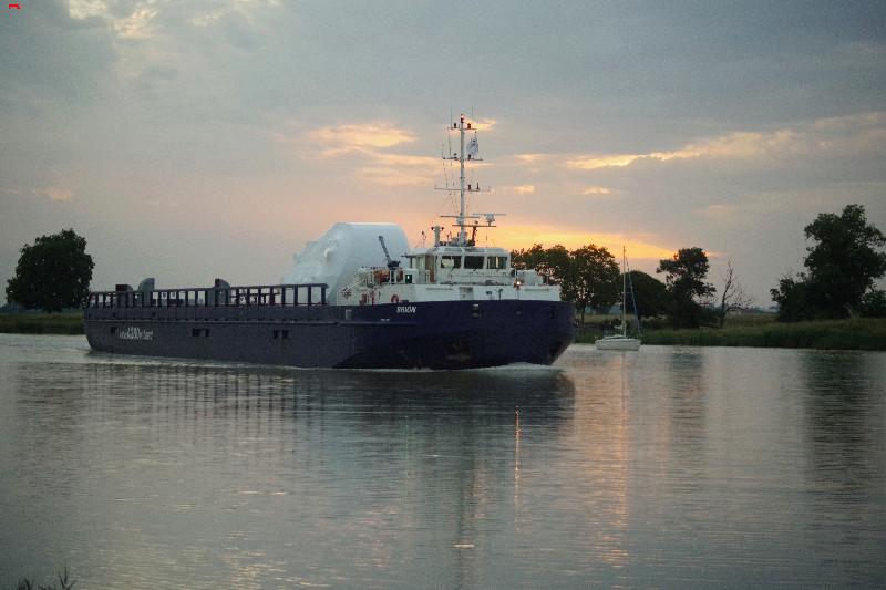 Belouga XL la traversée de Rochefort Imgp9712