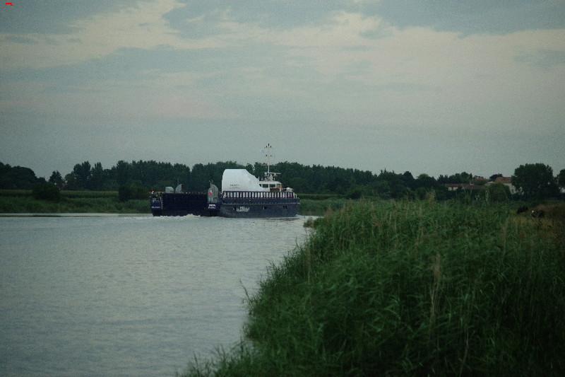 Belouga XL la traversée de Rochefort Imgp9713