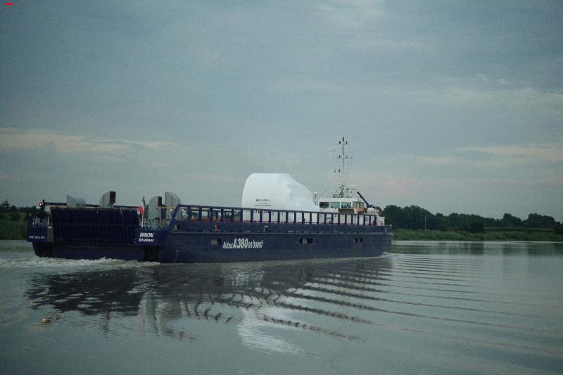 Belouga XL la traversée de Rochefort Imgp9715