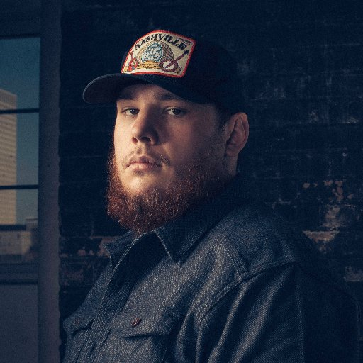 Luke Combs Weyuit10