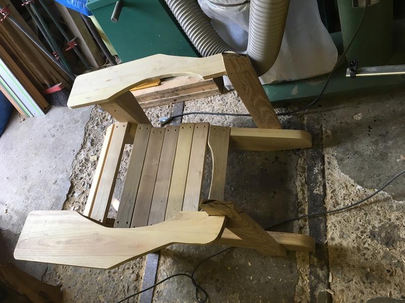 Adirondack, réalisation de 3 fauteuils de jardin - Page 2 Img_2039