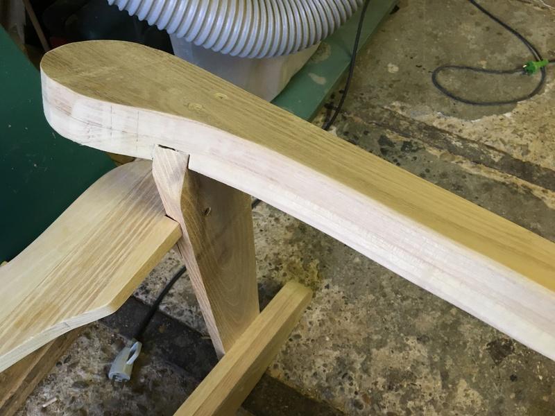 Adirondack, réalisation de 3 fauteuils de jardin - Page 2 Img_2044